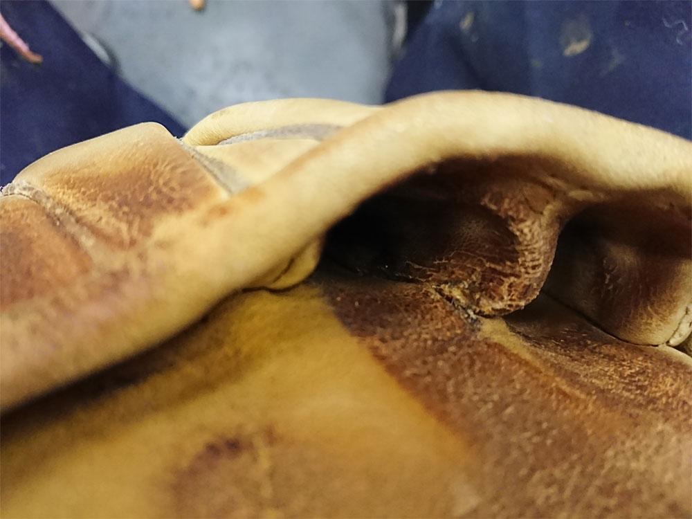 グローブの破れ修理 指袋壁6